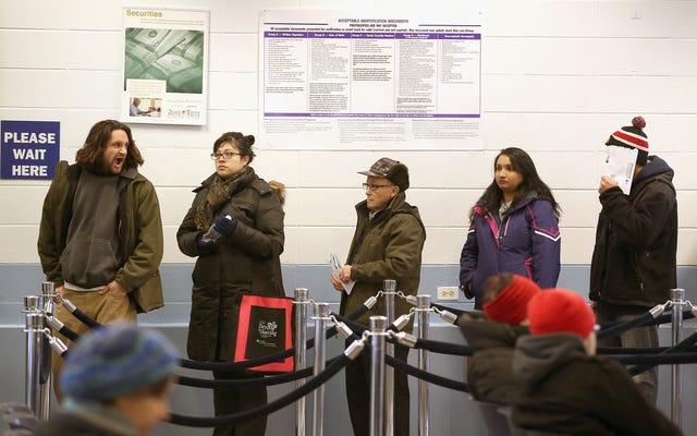 DMV ทั่วประเทศกำลังขายข้อมูลของไดรเวอร์เป็นเงินจำนวนมาก: รายงาน