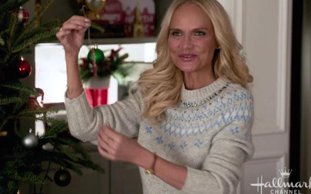 Hallmark pubblica la sua lineup di film natalizi costellati di stelle, che guarderò tutti