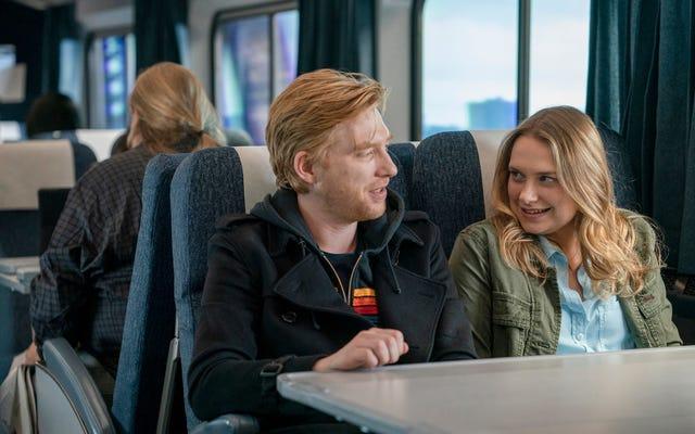 MerrittWeverとDomhnallGleesonは、HBOの楽しくて濁ったRunで火山化学を共有しています