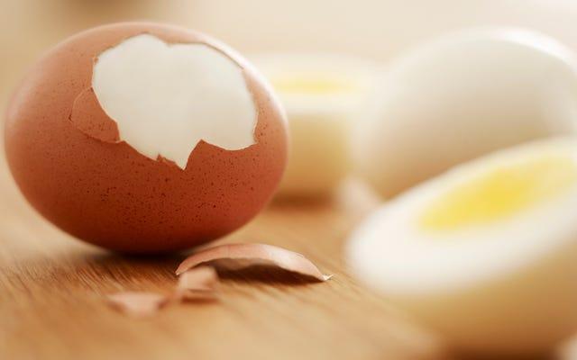 Last Call: Egg Mężczyźni uwielbiają obrane jajka