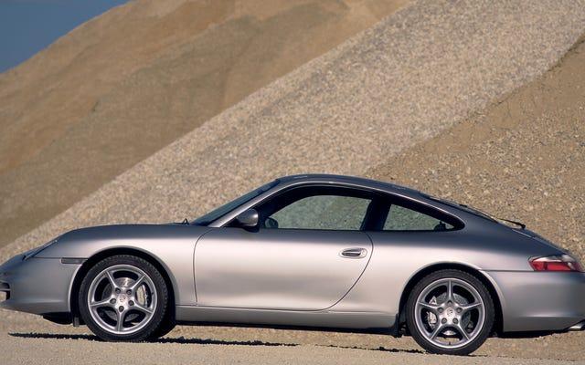 Porsche 911 Beat-To-Shit คันนี้คือเหตุผลที่คุณควรได้รับการตรวจสอบรถยนต์มือสองของคุณอยู่เสมอ