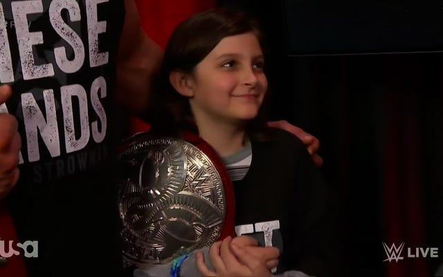 10 Yaşındaki Bir Erkek Artık WWE Takım Şampiyonu Değil