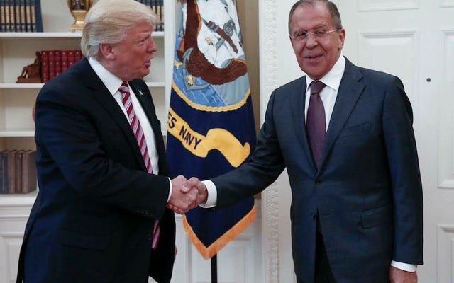 Trump Temui Menlu Rusia Karena Diminta Baik-Baik oleh Vladimir Putin