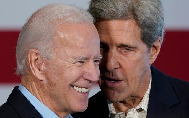 Kerry corre per Biden sul voto sulla guerra in Iraq, dice che è stata tutta colpa di Bush