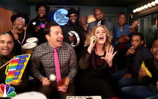 Merhaba, Adele ve The Roots, Sınıf Enstrümanlarıyla 'Merhaba' Şarkısını Söyledi