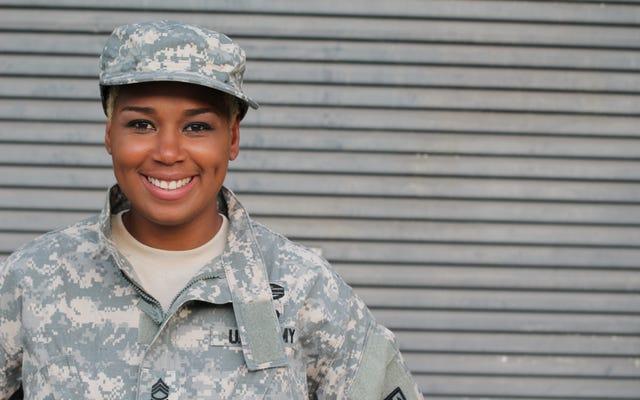 Армия принимает более инклюзивные стандарты ухода за чернокожими женщинами