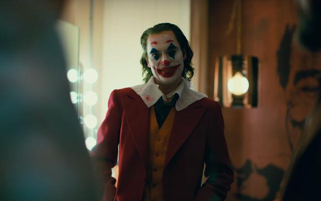 Kaisar Tidak Memiliki Lelucon: Bagaimana Tidak Ada dari Kalian Yang Memberitahu Saya Bahwa Joker Begitu Membosankan?