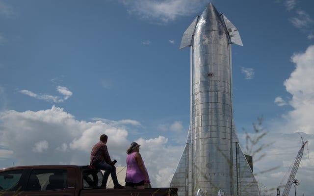 Elon Musk dévoile son gigantesque prototype de vaisseau spatial et dit qu'il volera d'ici quelques mois