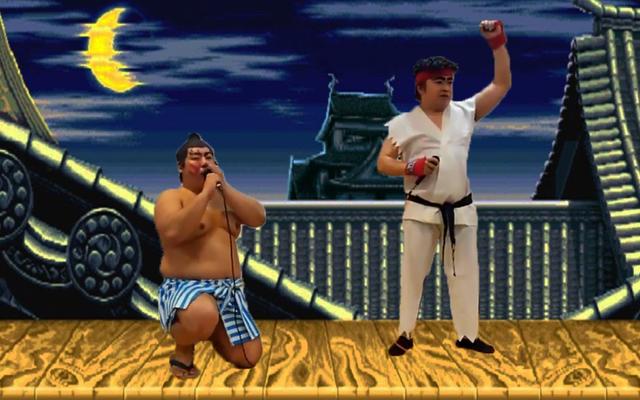 สองคน Reenact Street Fighter II จับคู่กับปากของพวกเขา