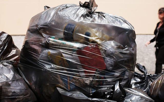 วิธีรีไซเคิลถุงพลาสติกทั้งหมดที่สะสมไว้ที่บ้าน
