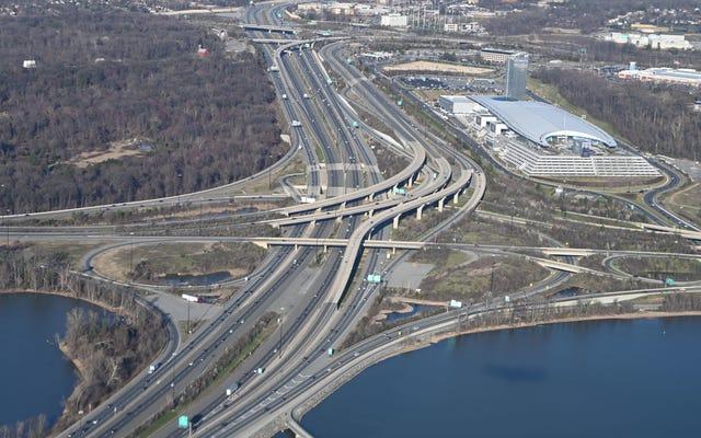高速道路の拡張が交通を悪化させる理由