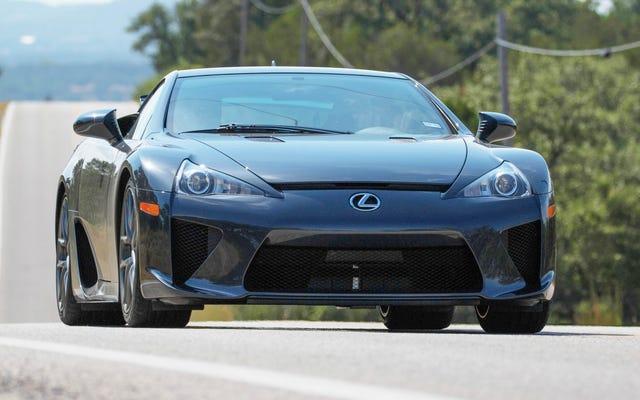 Nous avons trouvé 12 des derniers LFA neufs Lexus à vendre en Amérique