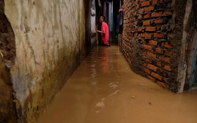 L'Indonésie se tourne vers le contrôle des conditions météorologiques pour arrêter les pluies au milieu d'inondations meurtrières
