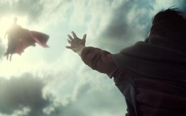 शाज़म के निर्देशक ने अपनी खुद की बैटमैन वी सुपरमैन पैरोडी मैशप बनाई