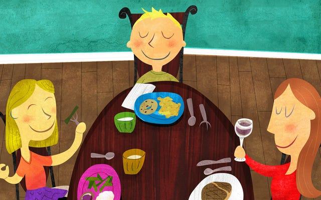 家族の食事を再び特別なものにするためにあなたの料理に名前を付けてください