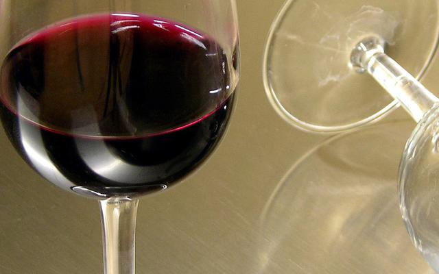 一時的にアルコールをやめることは健康上の利点をもたらします