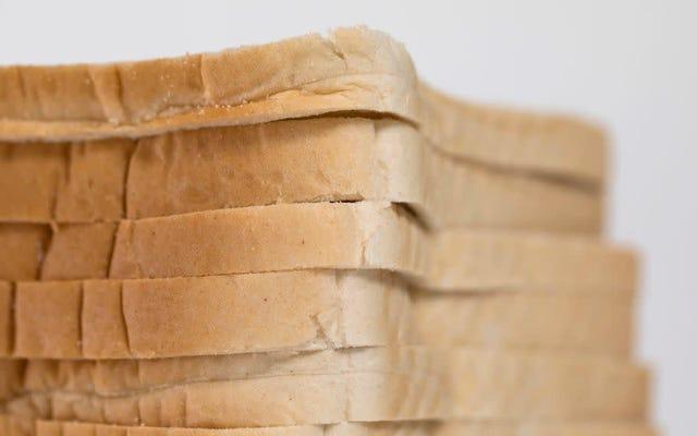 このパンの保管のトリックは、実際に役立つ1つのバイラルキッチンハックです