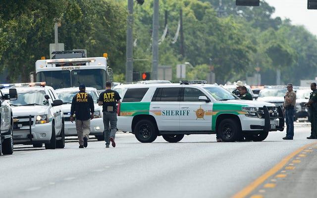 Nghi phạm xả súng ở trường học Texas được xác định là Dimitrios Pagourtzis, 17 tuổi [Đã cập nhật]