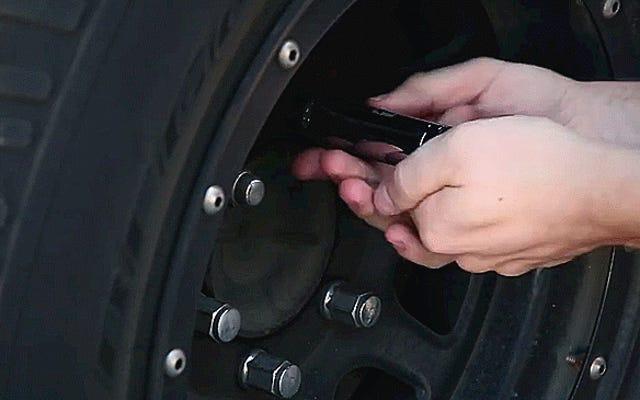 Cómo quitar una tuerca de bloqueo sin la llave