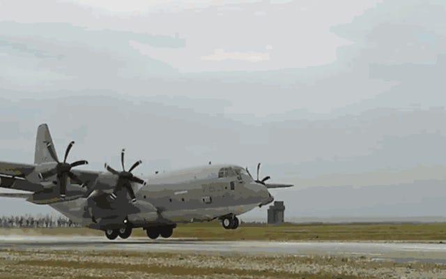 「Sumos」がKC-130Jで行うすべての驚くべきクラップを見せてあげましょう