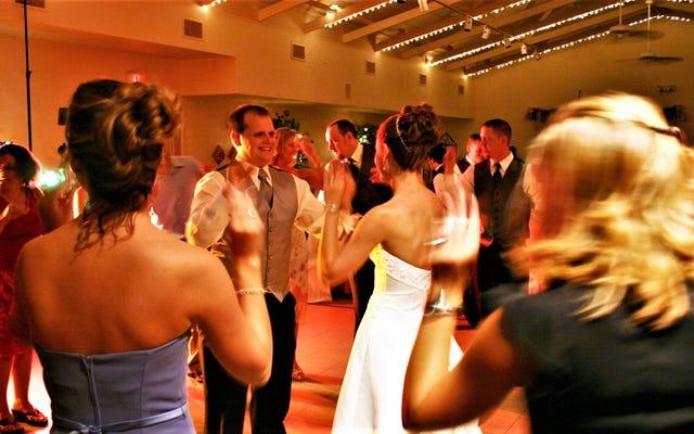 Les chansons ennuyeuses que vous ne devriez pas jouer à votre mariage
