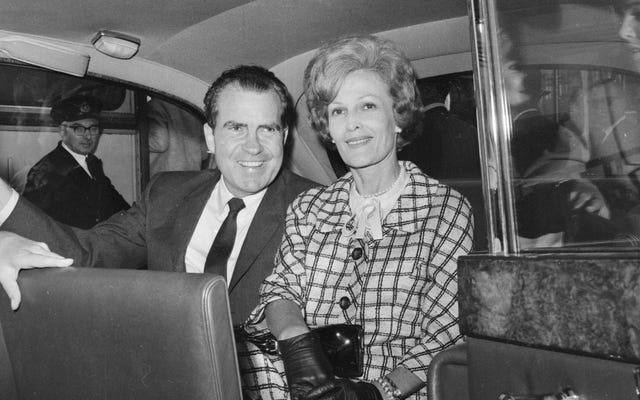 Est-il temps que nous nous attaquions aux abus présumés de Richard Nixon contre sa femme et sa première dame Patricia Nixon?