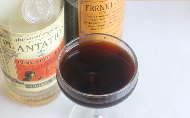 Meksika Fernet ile Koyu, Tropikal Bir Kokteyl Yapın