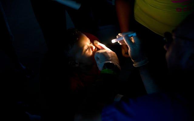 テスラはプエルトリコの小児病院にソーラーパネルとバッテリーを設置しました