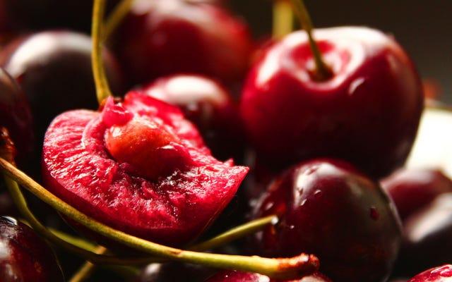 Use caroços de cereja para dar sabor ao creme chantilly