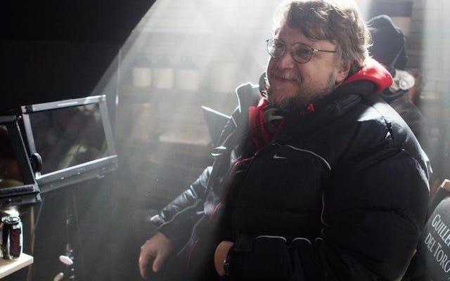 Guillermo del Toro sedang mengumpulkan pemain yang mengesankan untuk tindak lanjutnya terhadap bentuk air