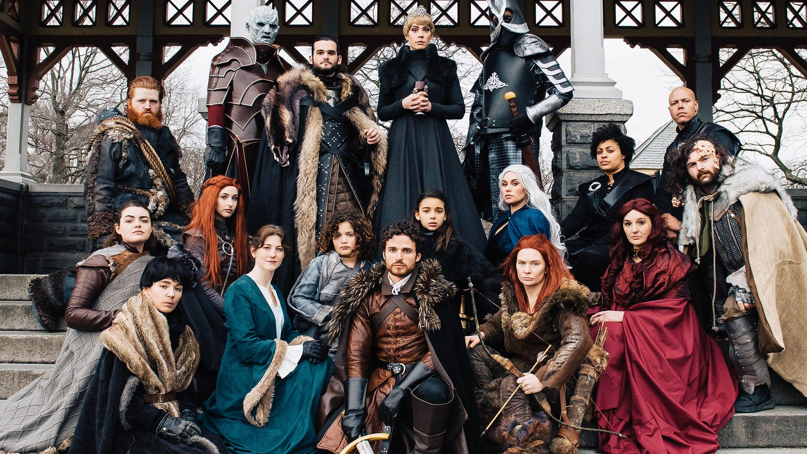 Game Of Thrones Cosplay Shoot Has Everyone (And A Wedding Proposal)
