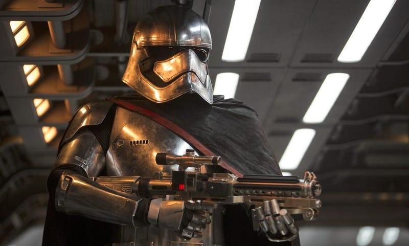 Illustration for article titled Las 13 teorías más descabelladas sobre Star Wars: The Force Awakens