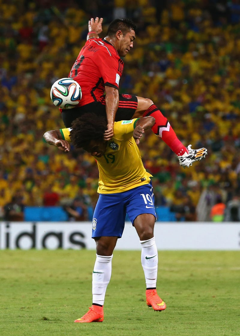 Illustration for article titled Hey You, Get Your Ass Off That Brazilian's Head!