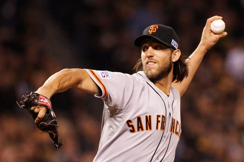 Illustration for article titled Madison Bumgarner Pitches Gem As Giants Advance In Playoffs