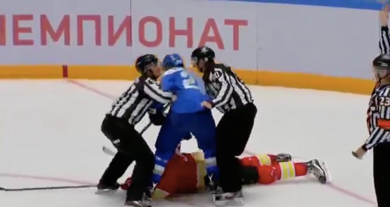 Illustration for article titled KHL Game Canceled After Player Tries To Beat Up Entire Other Team