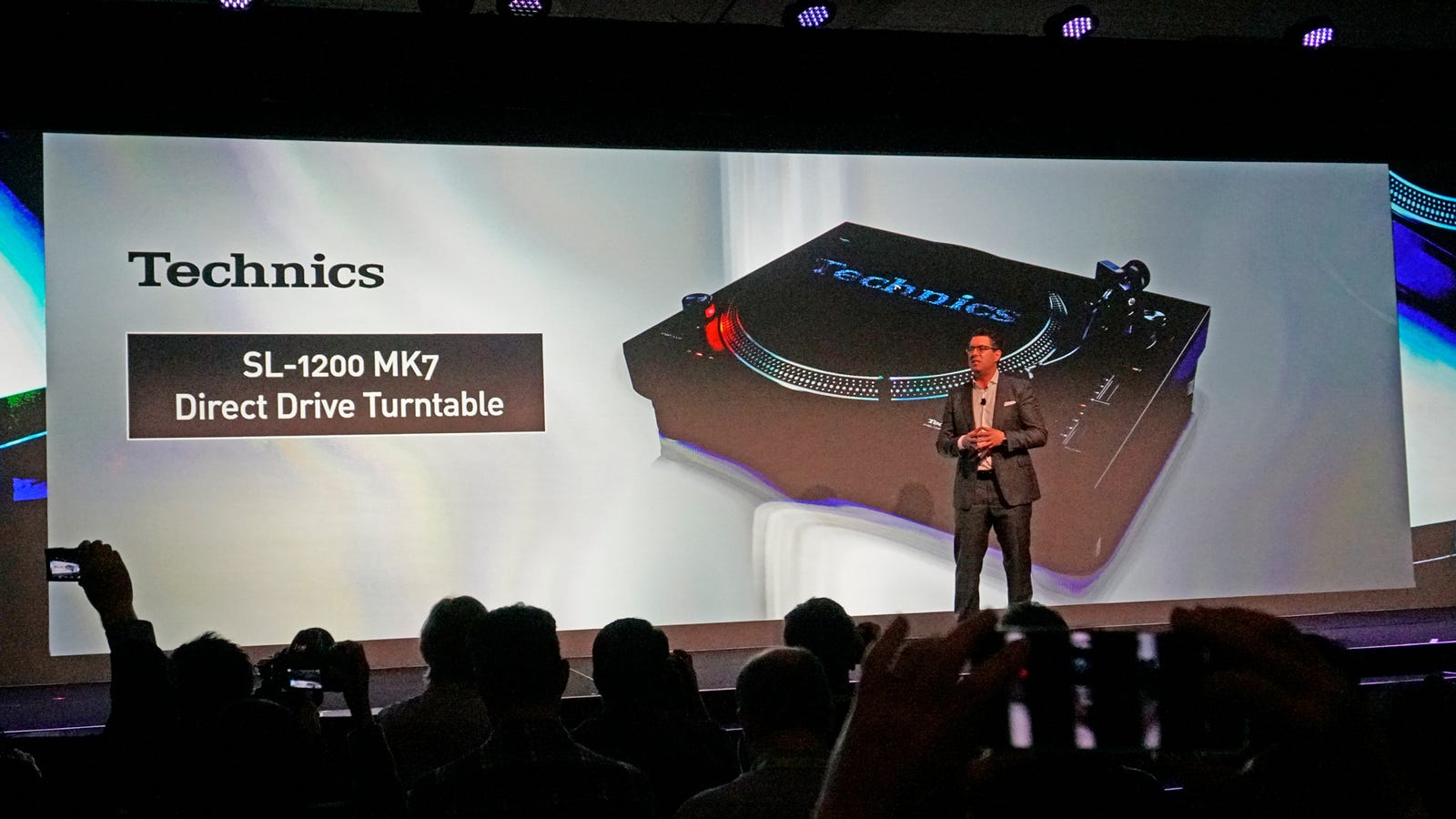 Panasonic Returns the Technics 1200 Turntable to Its DJ Roots With the new MK7