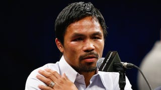 Illustration for article titled Manny Pacquiao Says He Fought With Injured Shoulder, Was Denied Shot