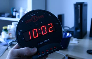 Illustration for article titled Sonic Bomb Alarm Clock Lightning Review: It Explodes Your Dreams