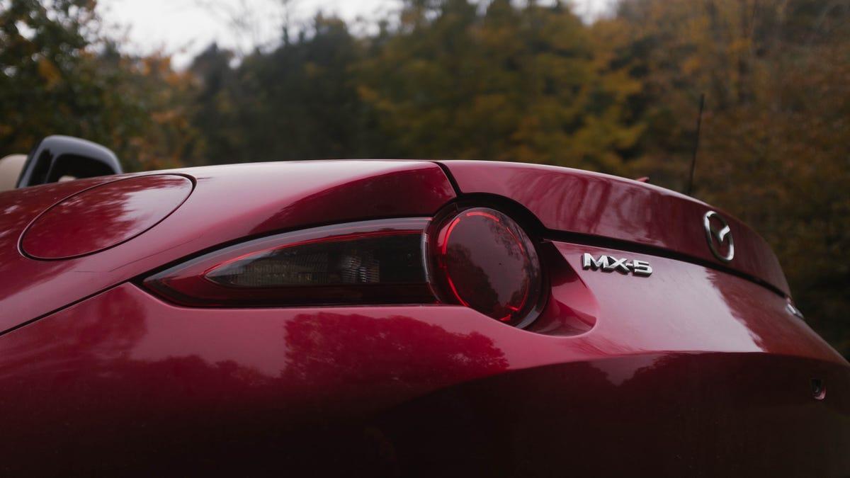 2019 Mazda Miata VS  2018 Volkswagen Golf GTI: Which To Buy?