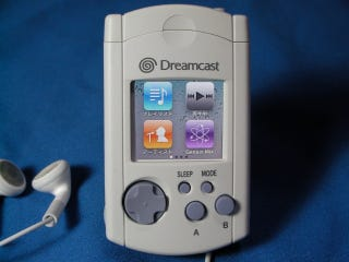 Illustration for article titled The Dreamcast Lives On With This iPod Nano