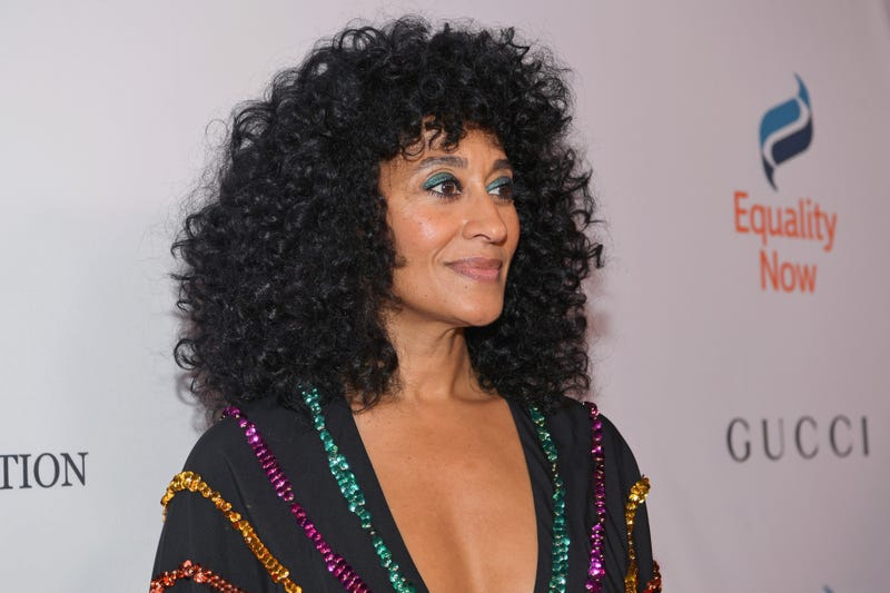 Illustration for article titled Tracee Ellis Ross Is Giving Us Some Curls-Ish