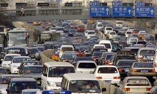 Illustration for article titled 10 incredible traffic jam videos, from around the world