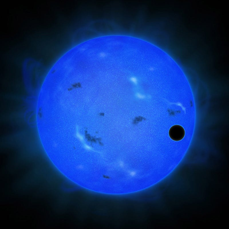 Illustration for article titled Astronomers say this Super Earth could have oceans of water