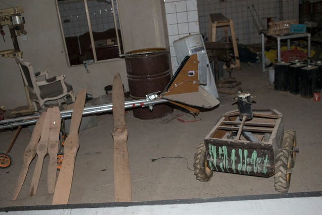 This is What an ISIS Drone Workshop Looks Like