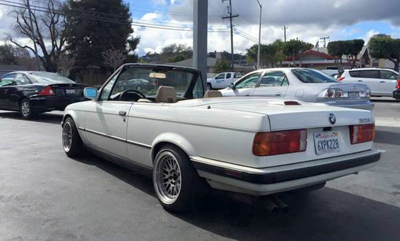 Illustration for article titled For $2,500, This 1989 BMW 325i Could Be White On Nice