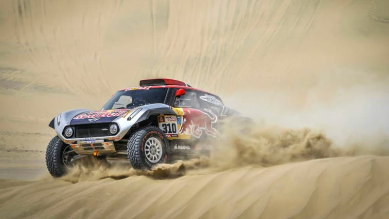 Menzies' Mini before the crash. Photo credit: DPPI/Dakar Rally