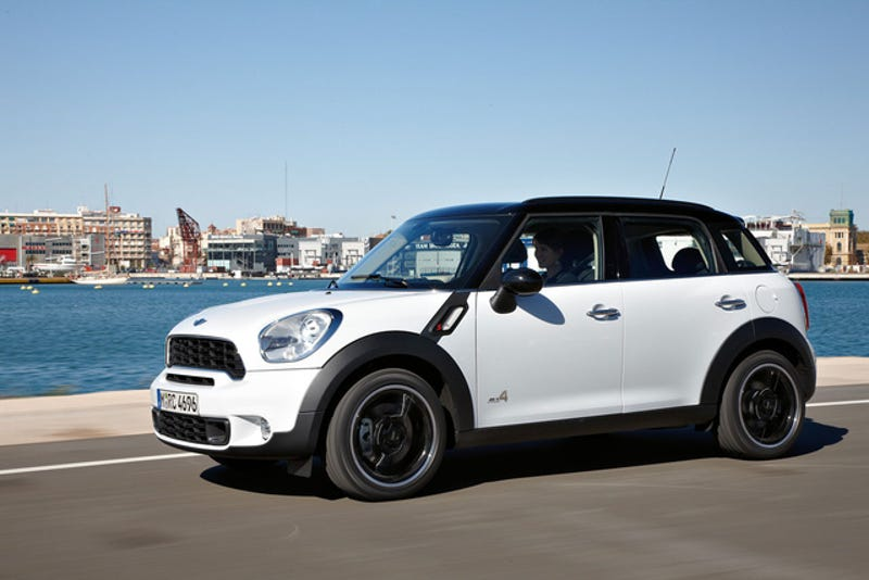 Illustration for article titled Mini Cooper Countryman S: Press Photos