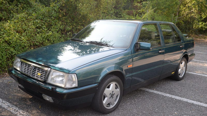 Illustration for article titled At $32,975, Could This 1987 Lancia Thema 8.32 Be a Grey Market Great Deal?