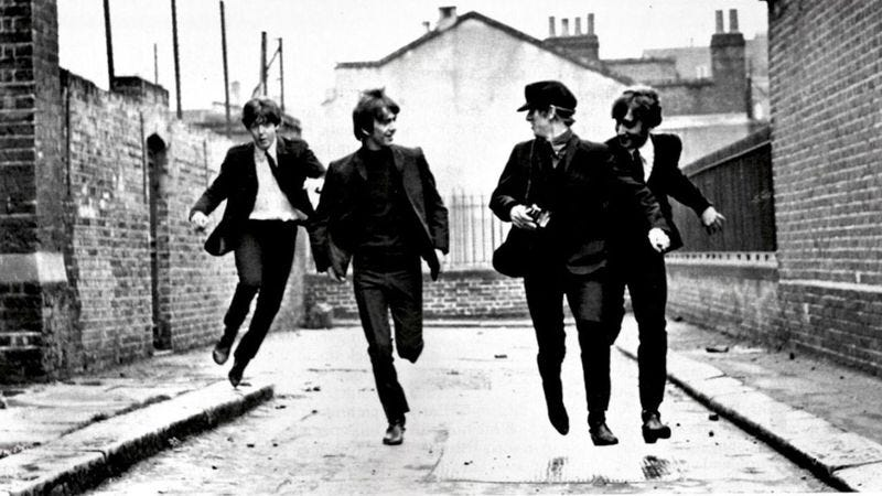 Illustration for article titled The Beatles satirize their celebrity in the still-joyous A Hard Day's Night