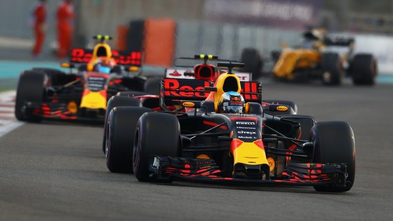 An Abu Dhabi Grand Prix conga line. Photo credit: Clive Mason/Getty Images